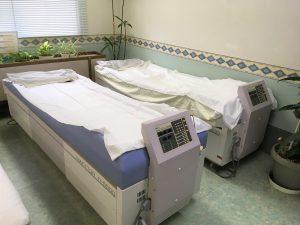 振動ベッドマッサージ器